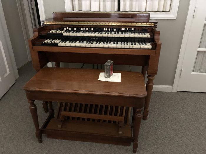 1942 Hammond Organ